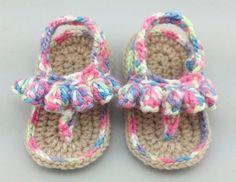 Cro-Shayley makes Crochet Today's Fruity Sandals - Free Pattern Crochet Bebe, Crochet Cross, Crochet For Kids, Knit Crochet, Baby Slippers, Crochet Slippers, Crochet Stitches, Crochet Patterns, Crochet Leg Warmers