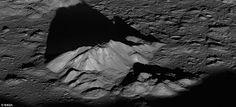 DivaDeaWeag / La NASA svela i cinque migliori foto della superficie lunare - La Nasa ha proposto agli utente di Interne per selezionare l'immagine più impressionante della superficie lunare tra i cinque scatti realizzati da una delle sue dopo cinque anni nello spazio.(foto:picco centrale del cratere Tycho )
