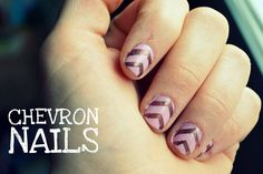 i never paint my fingernails...but this would look cute on toenails!