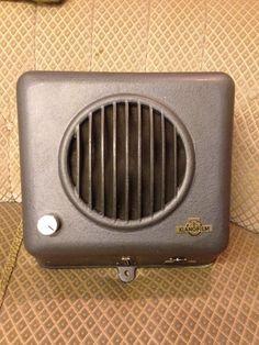 Eine alte Klangfilm Box mit Lautsprecher von Siemens aus den 1950er Jahren. Durchmesser 25 cm. Gebrauchter Zustand, viele Jahre eingelagert und nicht benutzt. Siehe Fotos.   eBay!