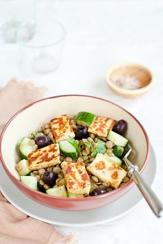 Lentil salad with grilled cheese by Sarka Babicka Photography
