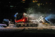 "@stowemt ""#MtnOps and their heavy machinery #nightmoves #themountainneversleeps…"