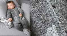 Avec cette combinaison grise toute douce, habillez bébé pour l'hiver. Tricotée en côtes 1/1 et en jersey, cette réalisation est idéale pour se perfectionner en tricot. Tailles :1 (3) 6 ...