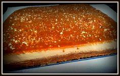 Esta es una estupenda tarta de dulce de leche sobre base de galletas. Descubre como hacerla con thermomix y no olvides el toque final de crujiente de almendra.