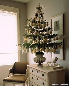 26 of Our Most Creative Christmas Tree Decorating Ideas Trimmed Tree-Trimmed Tr. 26 of Our Most Creative Christmas Tree Decorating Ideas Trimmed Tree-Trimmed Tree With its boughs Potted Christmas Trees, Creative Christmas Trees, Tabletop Christmas Tree, Noel Christmas, Primitive Christmas, Little Christmas, Xmas Tree, Winter Christmas, Christmas Tree Decorations