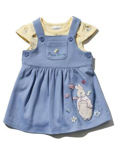 Peter Rabbit Pinny Dress And Bodysuit Set Little Girl Fashion, Toddler Fashion, Kids Fashion, Pinny Dress, Kids Wear, Children Wear, Bunny Outfit, Frocks For Girls, Sewing Projects