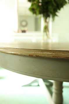 Modern Country Style: Paint, Please link party.oh, and my table reveal. Click through for details. Chalk Paint Projects, Chalk Paint Furniture, Furniture Projects, Furniture Making, Furniture Makeover, Diy Furniture, Paint Ideas, Reclaimed Furniture, Blue Furniture