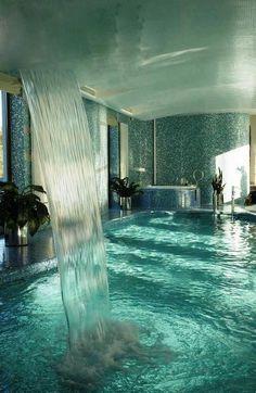 Amazing Pool - Just a dream. I LOVE indoor pools! Romantic Bathrooms, Dream Bathrooms, Bathtub Dream, Amazing Bathrooms, Dream Shower, Spa Shower, Romantic Bathtubs, Big Bathtub, Shower Bathroom