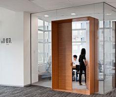 「office entrance door design」的圖片搜尋結果