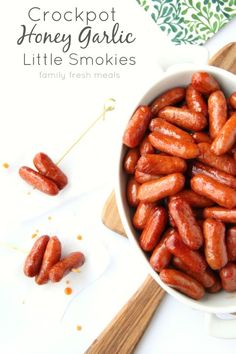 Crockpot Honey Garlic Little Smokies Sausages: ¼ cup brown sugar ⅓ cup honey ½ cup ketchup 2 Tablespoons soy sauce cloves garlic, minced 28 oz. lil' smokies or any little cocktail weenies Slow Cooker Recipes, Crockpot Recipes, Cooking Recipes, Finger Food Appetizers, Appetizer Recipes, Family Fresh Meals, Football Food, Crock Pot Cooking, Appetisers