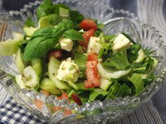 Salad Dressing Recipes, Salad Recipes, Mini Pak Choi, Pak Choi Salat, Bruschetta, Mozzarella, Cobb Salad, Salads, Sandwiches