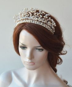 Bridal Crown Wedding Gold Tiara Pearls and Crystal Tiara Bridal Hair Piece Pearl Headpiece Tiaras for Bride Wedding Hair Accessories Pearl Headpiece, Headpiece Wedding, Bridal Headpieces, Crystal Headband, Wedding Veils, Wedding Hairstyles With Crown, Tiara Hairstyles, Bridal Crown, Bridal Tiara
