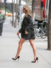 Resultado de imagen de Jennifer Aniston Long Legs