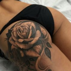 Amazing Sexy Girl Tattoos featuring their beautiful cute body art. Breast Chest Tattoos Arm Sleeve Tattoos back Tattoos and some of the best and most interesting female Tattoos you will see. Find Local Girls Near You with Tattoos. Bild Tattoos, Hot Tattoos, Body Art Tattoos, Sleeve Tattoos, Tattos, Intim Tattoo, Rosen Tattoo Frau, Nautical Star Tattoos, Bauch Tattoos