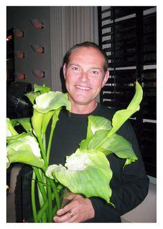 """Israel Sands, star of Casa Club TV's """"Entre Petalos y Ramas"""" (Photo: Business Wire)"""
