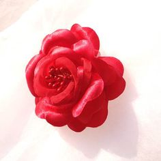 Red Rose Alligator Clip by beautifulswagstore on Etsy, $4.00 #RT #teamdream #teamsellit #coupon TEAMDREAM 18% off
