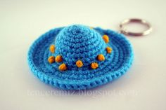 Mini crochet hat
