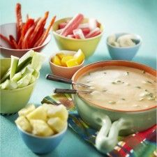 Caribische kaasfondue Fondue, Wok, Ketchup, Cheeseburger Chowder, Vegetarian Recipes, Food And Drink, Appetizers, Friday Nights, Lidl
