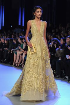 Elie Saab : Runway - Paris Fashion Week - Haute Couture S/S 2014