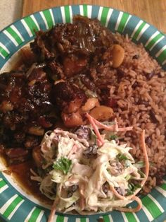 Easy recipes with a touch of Jamaica: Jamaican Oxtail Stew -Crockpot and Pressur… Simple Recipes with a Touch of Jamaica: Jamaican Oxtail Stew – Crockpot and Pressure Cooker Recipes Jamaican Cuisine, Jamaican Dishes, Jamaican Recipes, Oxtail Recipes, Meat Recipes, Indian Food Recipes, Cooking Recipes, Recipies, Dinner Recipes