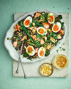 We've put a twist on a traditional French recipe by swapping tuna for hot smoked salmon in this alternative but equally-delicious salad nicoise. Smoked Salmon Pasta, Smoked Salmon Recipes, Fish Recipes, Healthy Recipes, Healthy Salads, Lunch Recipes, Salad Recipes, Healthy Food, Recipies