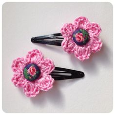 Sweet hair clip flower (xs) made by sweetcrochet.nl