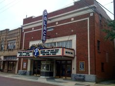 THE PALACE THEATRE – CORSICANA, TX « Spencers Magic