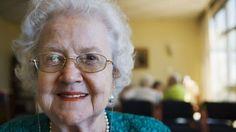 Ezt tanácsolta unokájának a90 éves nagyi a halála előtt