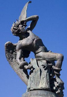 Estatua del Angel Caido - Madrid (1847)