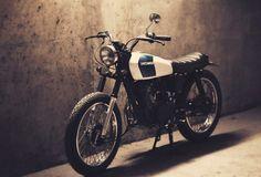 Honda 125 by Dauphine Lamarck