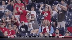 Phillies Fans' Reactions To Dan Uggla's Grand Slam After Taunt Are Amazing!! #Braves  I'm lolling! That's amazing