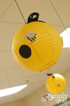 Buzzing with Appreciation - Simply Sprout Love the beehive paper lanterns for a BEE themed classroom. School Themes, Classroom Themes, Fantasias Halloween, Bee Party, Class Decoration, Bee Theme, Paper Lanterns, Baby Showers, Party Themes