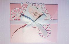 Campionario 2016 -2017- Collezione Carriage. Partecipazione romantica e fiabesca dalle tinte rosa. Disponibile in altri colori.