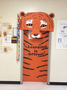 Résultat d'images pour Jungle Theme Classroom Door Jungle Classroom Door, Jungle Door, Classroom Teacher, Classroom Decor Themes, School Decorations, Classroom Ideas, Safari Bulletin Boards, Wooden Sliding Doors, Class Door