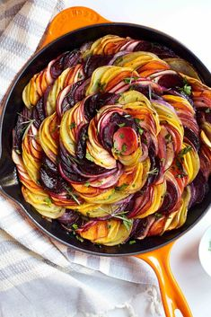 Beets and Sweets Gratin - Love Beets Side Dish Recipes, Vegetable Recipes, Vegetarian Recipes, Healthy Recipes, Vegan Beet Recipes, Apple Recipes, Side Dishes, Sweet Potato And Apple, Sweet Potato Recipes