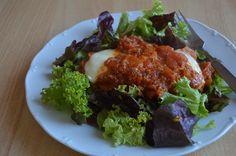 """Originálny recept z južného Talianska """"Polo alla parmigiana"""" je skutočnou delikatesou. Príprava sa môže zdáť trochu náročnejšia, ale nemusíte sa toho báť. Recept zvládne každý, kto má pozitívny vzťah k vareniu. Garantujem vám, že si na tomto jedle naozaj pochutnáte. Tandoori Chicken, Polo, Ethnic Recipes, Polos, Tee, Polo Shirt"""