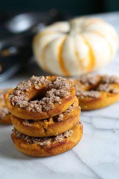 Pumpkin Almond Crumble Doughnuts {grain free and dairy free} from Pidge's Pantry #grainfree #dairyfree #pumpkin