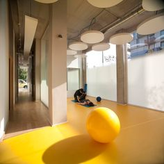 Active Therapy Center R3 by Gabriel Gomera Studio   Yellowtrace