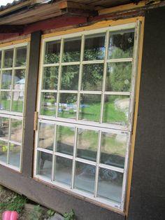 Vanhan talon isot ikkunat