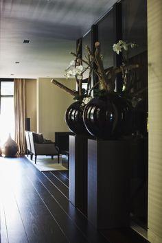 The Netherlands / Private Residence / Hall / Eric Kuster / Metropolitan Luxury Vintage Interior Design, Home Interior Design, Interior And Exterior, Interior Decorating, Tadelakt, Dark Wood Floors, Living Room Flooring, Living Styles, Black House