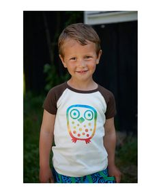 Ej Sikke Lej white t-shirt with colorful peace owl. ej-sikke-lej.en.emilea.be