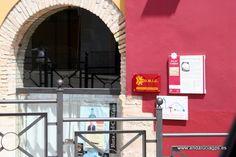 """#Córdoba - Aguilar de la Frontera - Oficina de Turismo / 37º 31' 9"""" -4º 39' 23"""" /  Se encuentra situada al Sur de Córdoba, a unos 52 kilómetros de la capital, contando con una situación estratégica en una zona de gran crecimiento económico. Con una extensión de unos 167 kilómetros cuadrados y una población de 13.688 habitantes, forma parte de la Campiña Alta, ejemplo de lo cual son los cerros-testigos que jalonan el paisaje."""