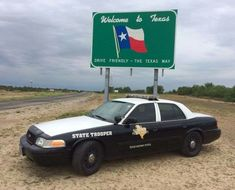 Police Cars & Other interesting things Radios, Texas State Trooper, Texas Texans, Texas Law, Texas Pride, 4x4, Old Police Cars, Country Trucks, Only In Texas