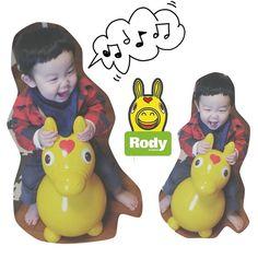 Instagram media makky7296 - . 友達から出産祝いで頂いたロディ。 . やっと一人で乗って遊べるようになった。 . 息子は楽しそうだけど . ハチさんはいまだにロディに近づけないでいる . #1歳5ヶ月 #息子#男の子#親バカ部#LOVE#instasize #instakids #ig_oyabakabu #ig_kidsphoto #ロディ#RODY#出産祝い#ハチさんとはうちのダックスです#ロディが怖くて近づけません#どんだけ小心者#いや小心犬