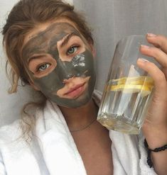 care aesthetic mask 29 trendy Ideas for skin bare photography face masks Diy Mask, Diy Face Mask, Body Peeling, Aloe Vera Creme, Too Faced, Homemade Face Masks, Aesthetic Girl, Aesthetic Women, Aesthetic Grunge
