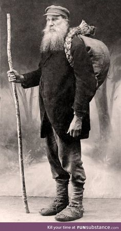 """Book Smuggler Vincas Juska - c Lithuania. Read more at Wikipedia, """"Lithuanian book smugglers""""! Photos Du, Old Photos, Vintage Photographs, Vintage Photos, Rare Historical Photos, Famous Books, My Heritage, Eastern Europe, 19th Century"""