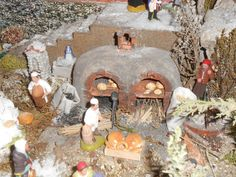 La crèche de Noël 2014 de Maurice - Le four à pains que je trouve particulièrement bien réussi, c'est l'un des plus beaux que j'ai vu jusqu'à présent. (-Santounette) Clay People, Clay Houses, Maurice, Pains, Four, Decoration, 3 D, Painting, France