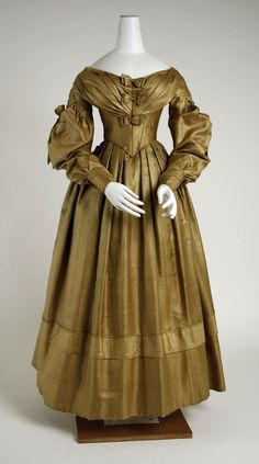 OMG that dress! - 1838 The Met