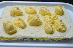 Prăjitură cu mac, cocos și cremă de vanilie • Gustoase.net Romanian Desserts, Dessert Recipes, Dairy, Mac, Bread, Cheese, Foods, Food Food, Brot