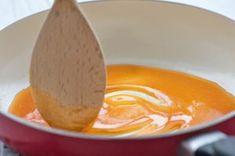 Zucker karamellisieren Dessert Boxes, Chicken Wraps, Chocolate Desserts, Healthy Recipes, Healthy Food, Pudding, Eggs, Breakfast, Sweet